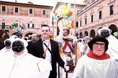 B1_paoloraimondi_ironia del carnevale ascolano1